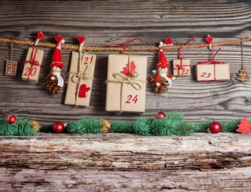 Christmas Cards Hanging on Rope Wood Background Picture Backdrop